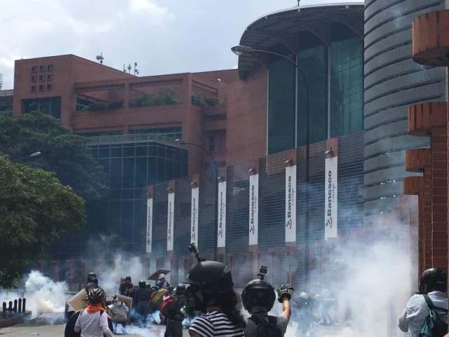 GNB reprimió a opositores en Bello Monte. Foto: esteninf Olivares / @esteninf