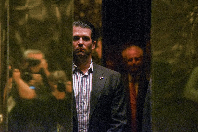 Según el NYT, hijo de Trump esperaba información sobre Clinton de abogada rusa