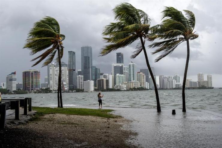 Irma tocó los Cayos de Florida con vientos de más de 200 kilómetros por hora (Foto: EFE)