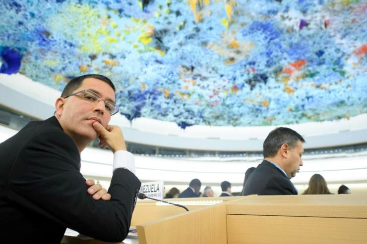 Foto: LG23 GINEBRA (SUIZA) 11/09/2017.- El ministro venezolano de Asuntos Exteriores, Jorge Arreaza Montserrat (i), durante la apertura de la 36 sesión del Consejo de Derechos Humanos de la ONU (CDH), en la sede europea de las Naciones Unidas (ONU) en Ginebra (Suiza) hoy, 11 de septiembre de 2017. EFE/Laurent Gillieron