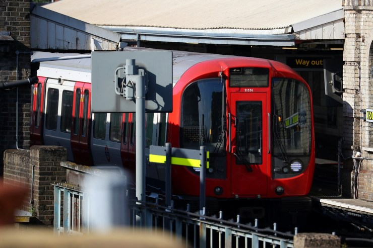 A London underground tube is held after an incident at Parsons Green station in London, Britain September 15, 2017. REUTERS/Hannah McKay