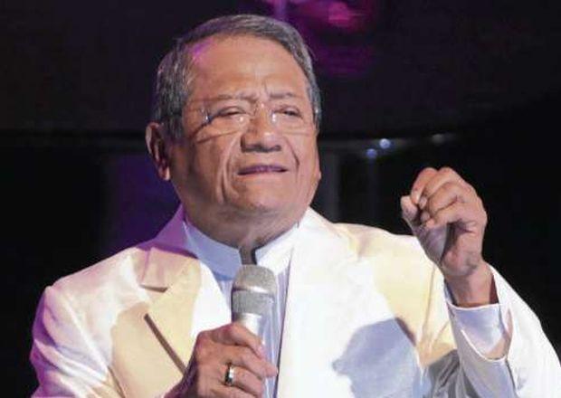 Armando Manzanero deslumbro Guayaquil ECMIMA20111127 0044 4 - La familia de Armando Manzanero no realizará homenajes presenciales en su pueblo natal