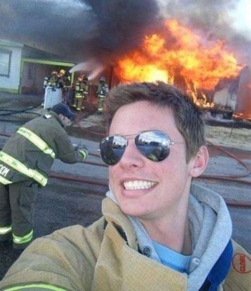 bad-timing-selfies-6