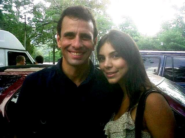 Capriles y Maribel Petrola (2)