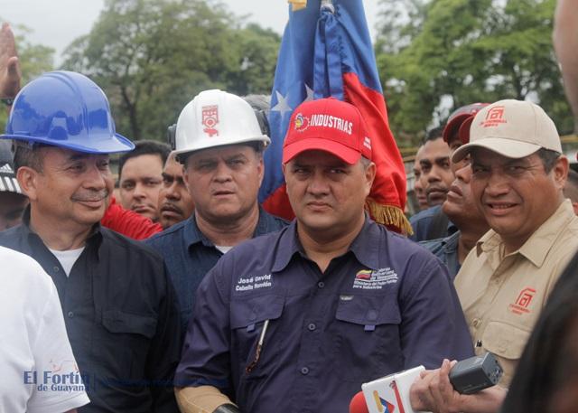 El ministro de Industria José David Cabello durante una visita a Sidor el pasado mes de agosto / Foto El Fortín de Guayana