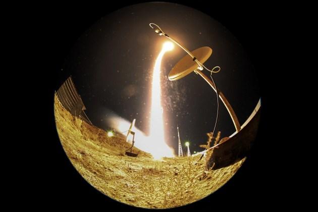 Nave espacial que lleva la Estación Espacial Internacional ( ISS) tripulación del astronauta estadounidense Terry Virts , el cosmonauta ruso Anton Shkaplerov y el astronauta italiano de la Agencia Espacial Europea. AFP / KIRILL KUDRYAVTSEV