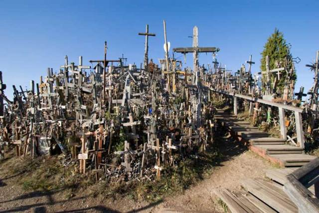 La Colina de las Cruces, Lituania