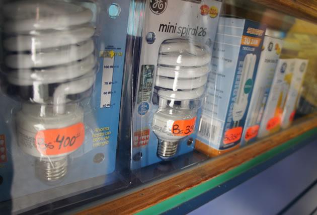 No-se-consiguen-bombillos-incandescentes-ni-ahorradores