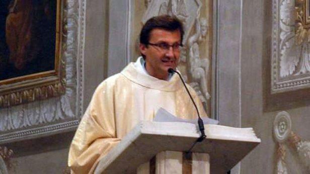 Párroco italiano, Claudio Cavallo