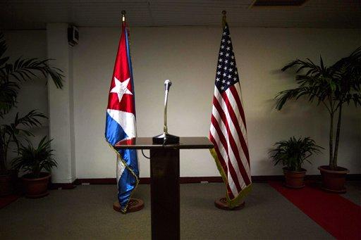 Foto: En esta imagen antes de la conferencia de prensa al margen de las conversaciones entre los dos países en La Habana, Cuba / AP