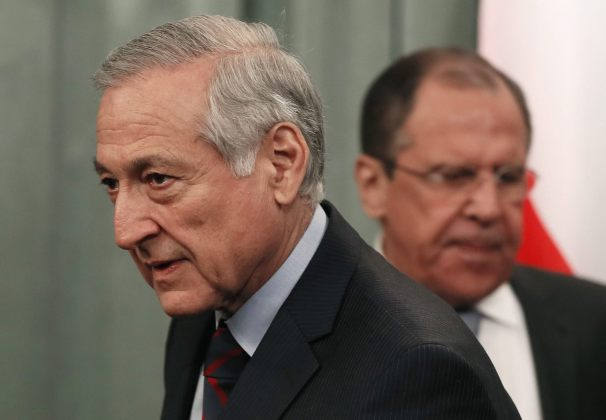 El ministro de Exteriores chileno, Heraldo Muñoz (c), y su homólogo ruso, Serguéi Lavrov (detrás) (Foto EFE)