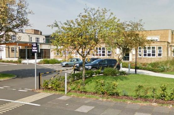 Foto: Trinity School en Carlisle Cumbria / mirror.co.uk