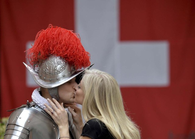 Vatican Swiss guard Dominic Bergamin kisses his wife Joanne prior to a swearing-in ceremony at the Vatican