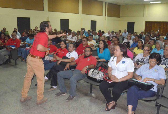 La reunión se llevó a cabo con los directivos de las instituciones educativas