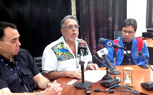 Márquez denunció que el Gobierno mantiene una política dirigida a crear caos en el seno de la universidad