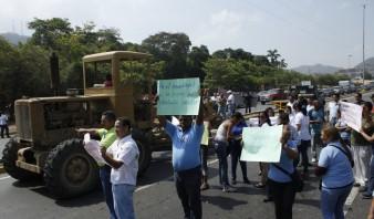 Foto: Los trabajadores universitarios continuarán las protestas mañana, sin parar las actividades en todo el país / eltiempo.com.ve