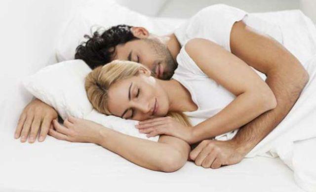 dormir parejas