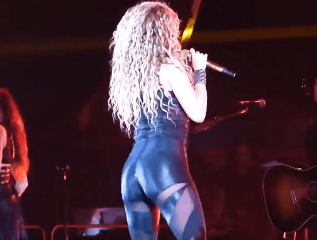 """Shakira 2 - """"Los pantalones parece su piel"""" (VIDEOS)"""