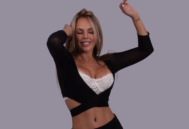 """soyroxanadiaz 72179219 145827153475819 3031614357464650759 n e1571789152135 - ¿Una excusa para ver el teléfono todo el día? Roxana """"Divina"""" Díaz en bikini"""