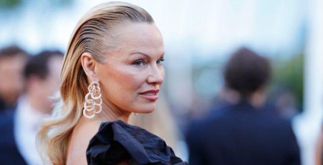 Pamela Anderson ElFarandi - Pamela Anderson se casa por quinta vez con su ex (FOTO) - #Noticias