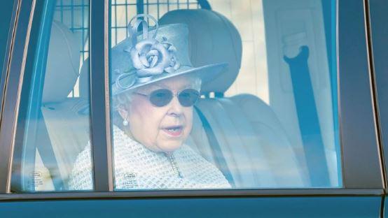 """reina Isabel II - El gesto de la reina Isabel II con Harry y Meghan que demuestra que """"aun se aman"""" - #Noticias"""