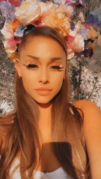 ariana cumple - ¡Como toda una reina! Así fue como Ariana Grande celebró su cumpleaños
