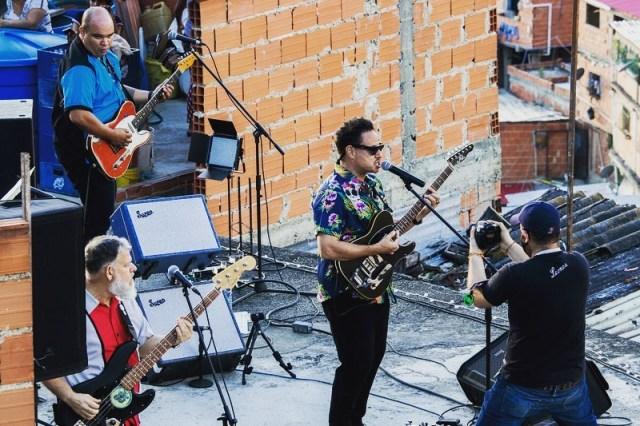 132157711 3910938118917775 7800422600874813002 n - Venezolanos vacilaron desde casa el concierto de Desorden Público en Petare (Fotos + Videos)