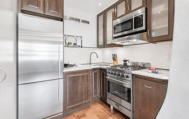 jen aniston home 06 - Así es el apartamento de 11 millones de dólares en Nueva York donde creció Jennifer Aniston (FOTOS)