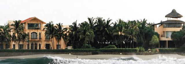 luis miguel casa 1 - Las ruinas de la casa abandonada de Luis Miguel en Acapulco (VIDEO)