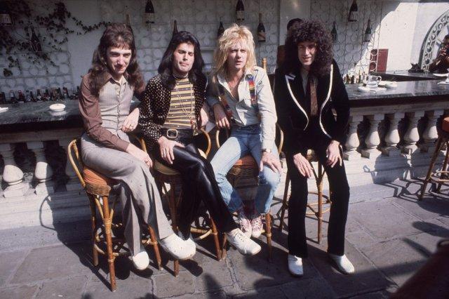 John Deacon Freddie Mercury Roger Taylor y Brian May 5 - La gloria con Queen, la muerte de Freddie Mercury y su lucha con la depresión