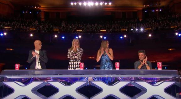 victory b 2 - La niña que hizo cambiar las reglas de America's Got Talent con su poderosa voz