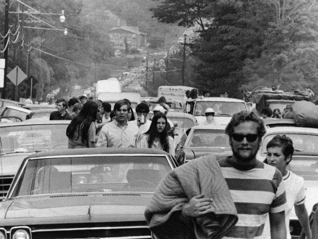 Woodstock 4 - Entre el barro, las drogas y el amor libre: Cómo fue Woodstock, el festival de rock que cambió la historia
