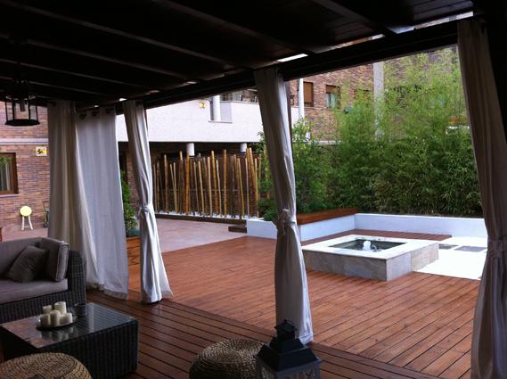 Pérgolas con techo de madera