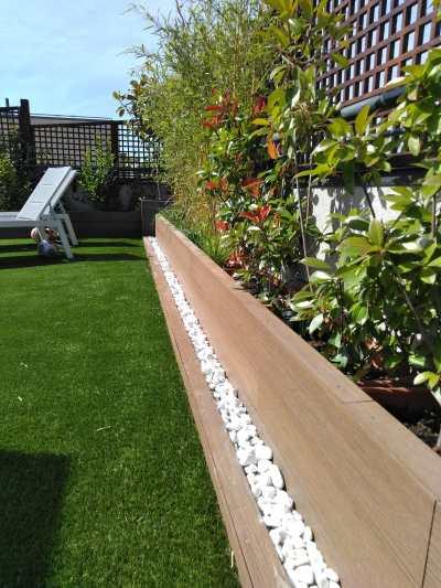 Jardinera de madera sintética