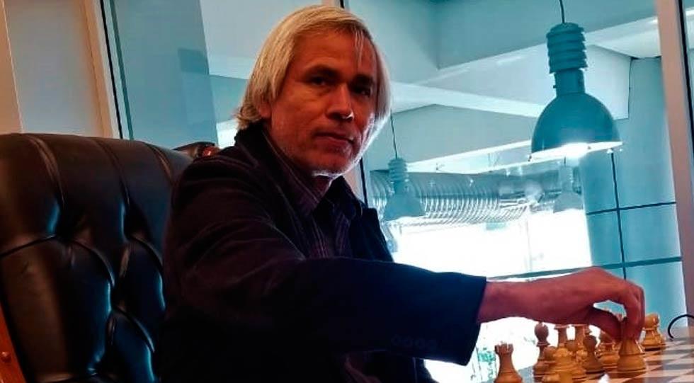 Este sábado en Parral, el maestro del ajedrez Juan Manuel Ramírez Roacho