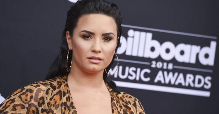 Borra Demi Lovato su cuenta de twitter tras ser criticada