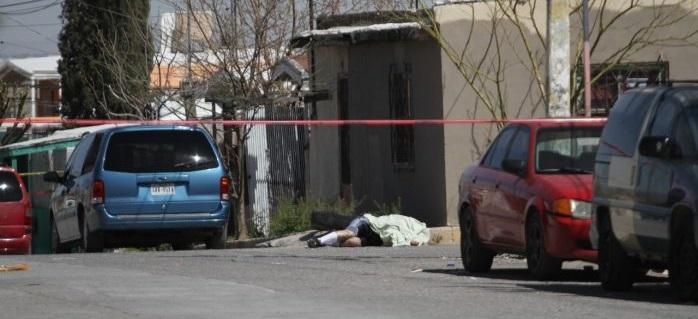 Ejecutan a uno al salir de su casa en Juárez