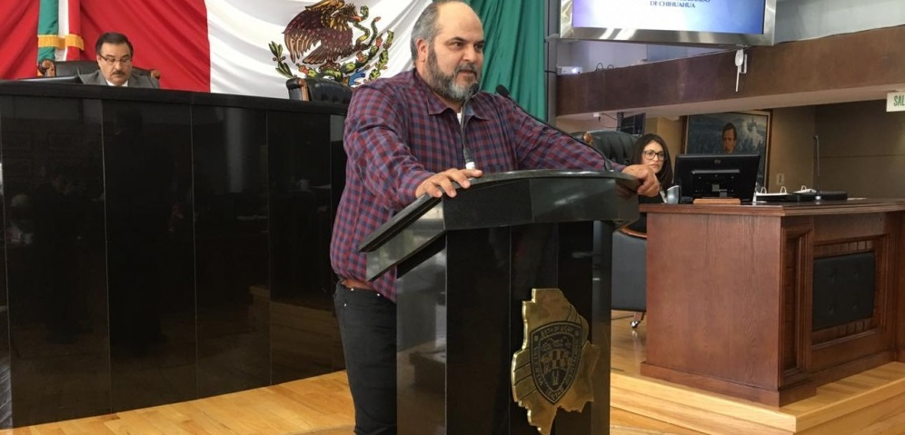 Amenazan a doctores de Juárez por orden del gobernador: diputado