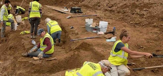 Descubren fósil de extraño dinosaurio con cuernos en EU