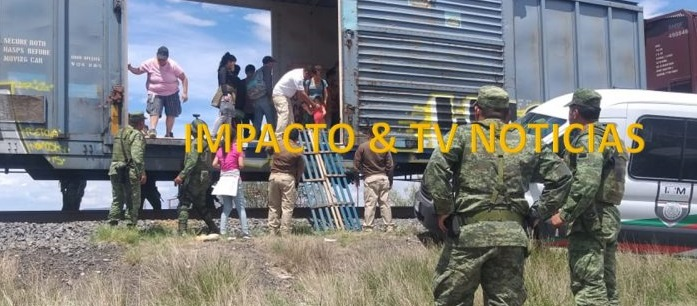 Detienen tren con 60 migrantes en Camargo