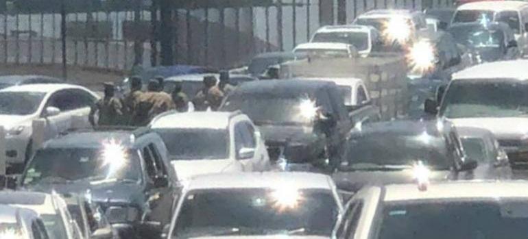 Causan expectativa soldados estadounidenses en puente Libre de Juárez