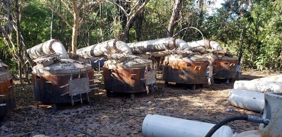 Desmantelan 2 narcolaboratorios en Sinaloa