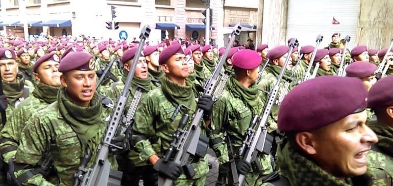 Arriban 197 fusileros paracaidistas a patrullar Culiacán