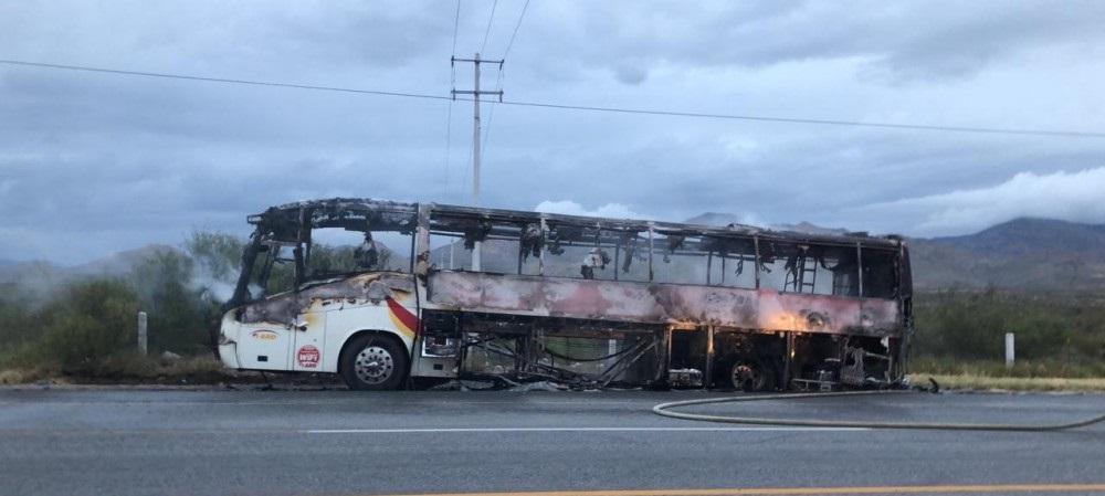 Se incendia camión de pasajeros en san juditas