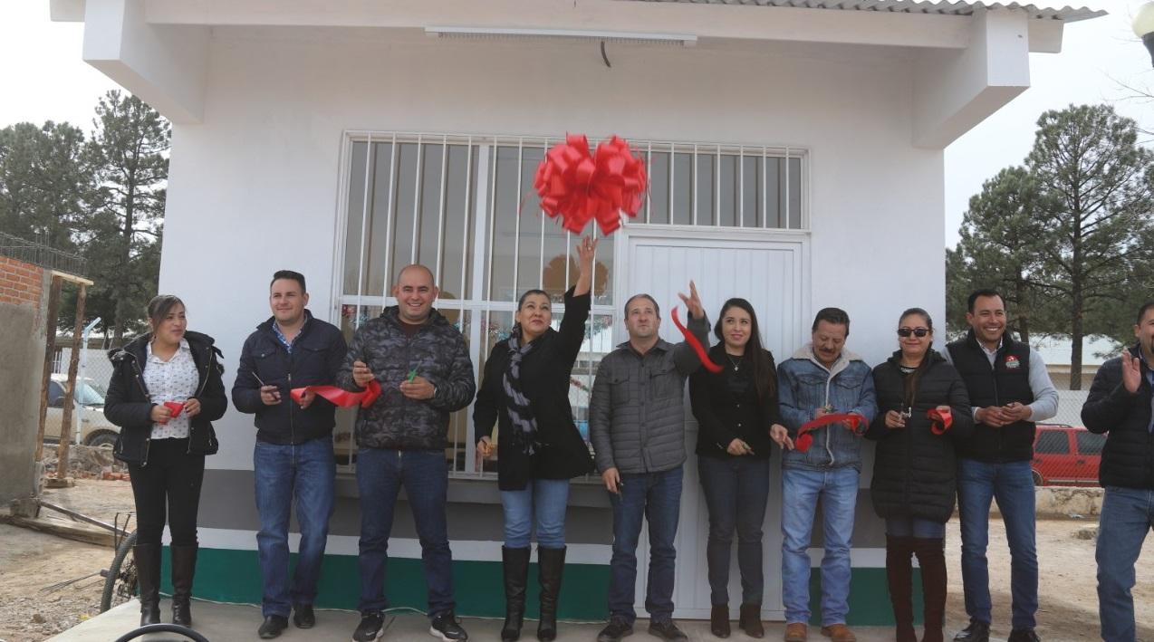 Inauguración de aula en la primaria Timoteo Martínez