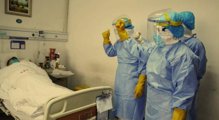Llegan a 1,100 los fallecidos por coronavirus en China
