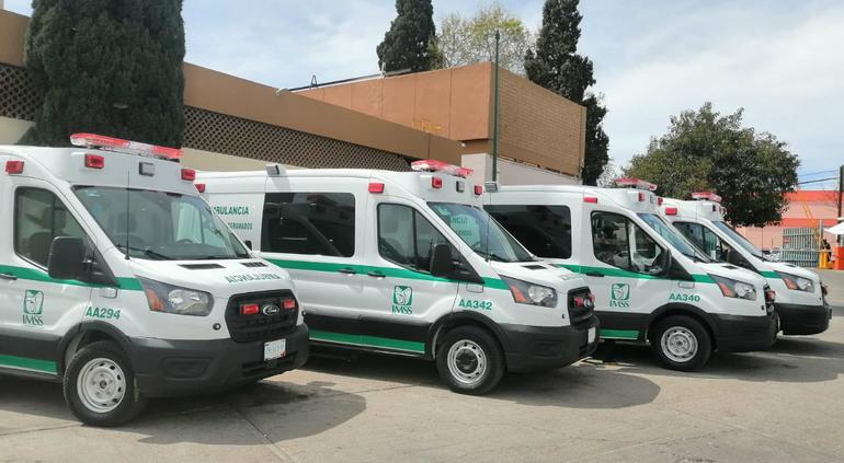 'Fortalecen' IMSS en Chihuahua; entregan seis ambulancias nuevas