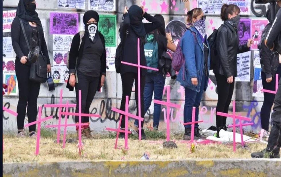 Al menos 210 mujeres han sido asesinadas durante la cuarentena en México