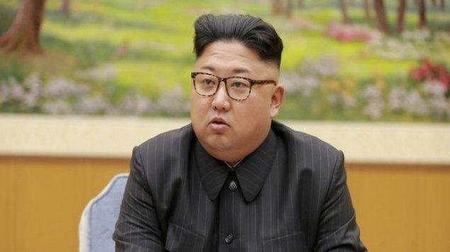 Kim Jong-un habría reaparecido este viernes durante un evento oficial