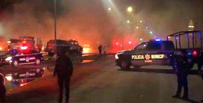 Incendian lote de autos en cuauhtémoc
